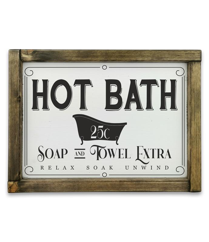 hot bath rusztikus feher fatabla kerettel